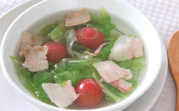 豚バラ肉とトマトの塩スープ